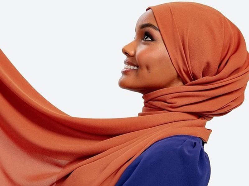 """Hijab-clad supermodel quits modelling, calls it """"mentally damaging"""""""