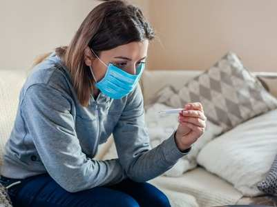 Can you get a vaccine shot if you have a cold or fever?