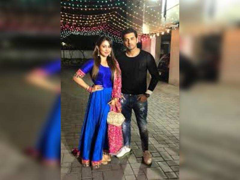 Are Ankush and Oindrila moving into their new apartment?