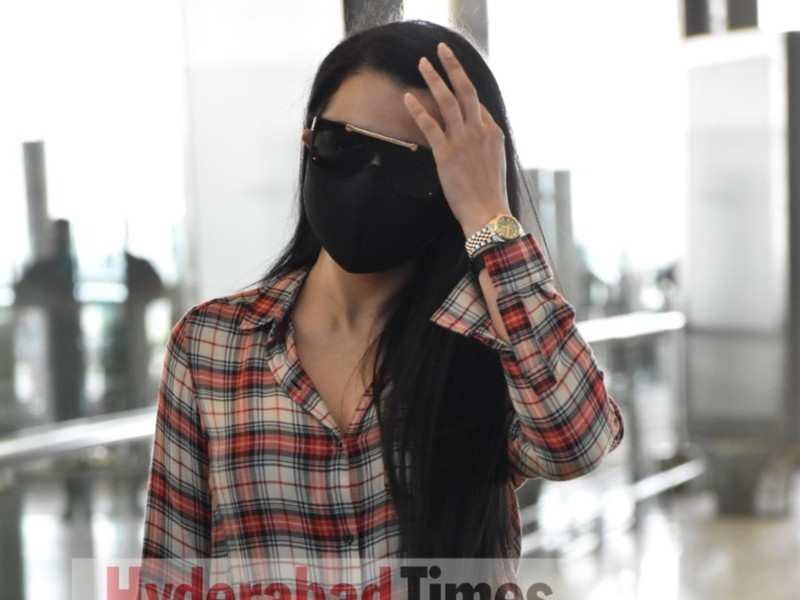 Spotted: Trisha Krishnan's sleek shirt look at the airport is the style trend of the season
