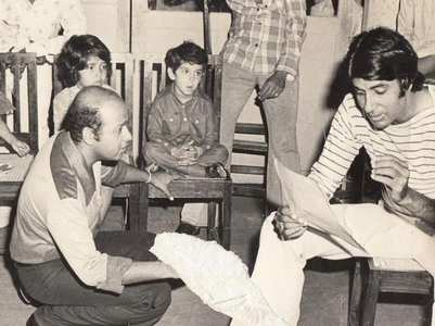 Can you spot Hrithik in THIS throwback pic