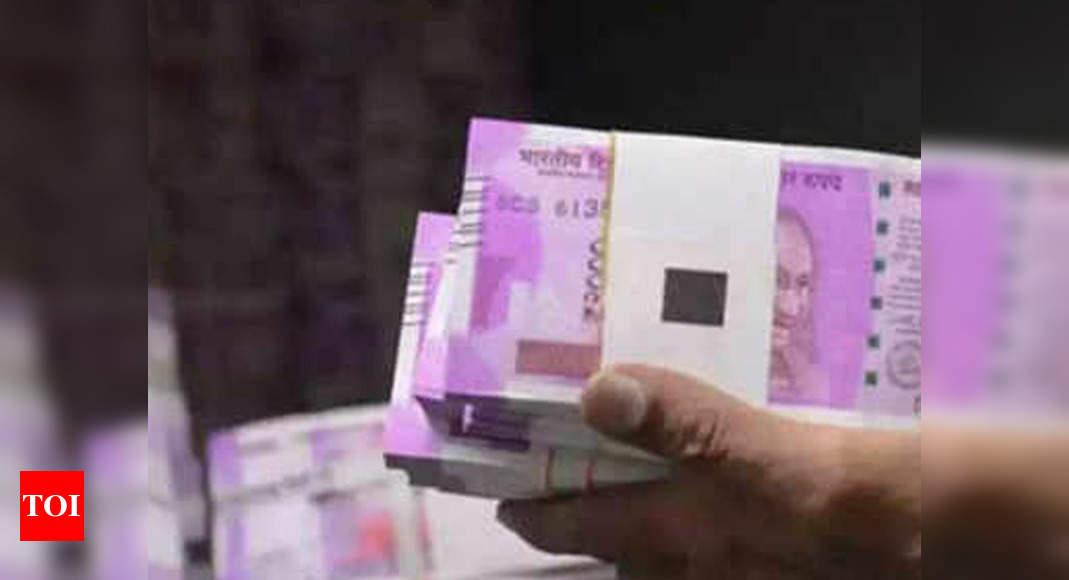 CBI recovers Rs 2.04 cr cash hidden in South Delhi hotel in railway officials bribery case