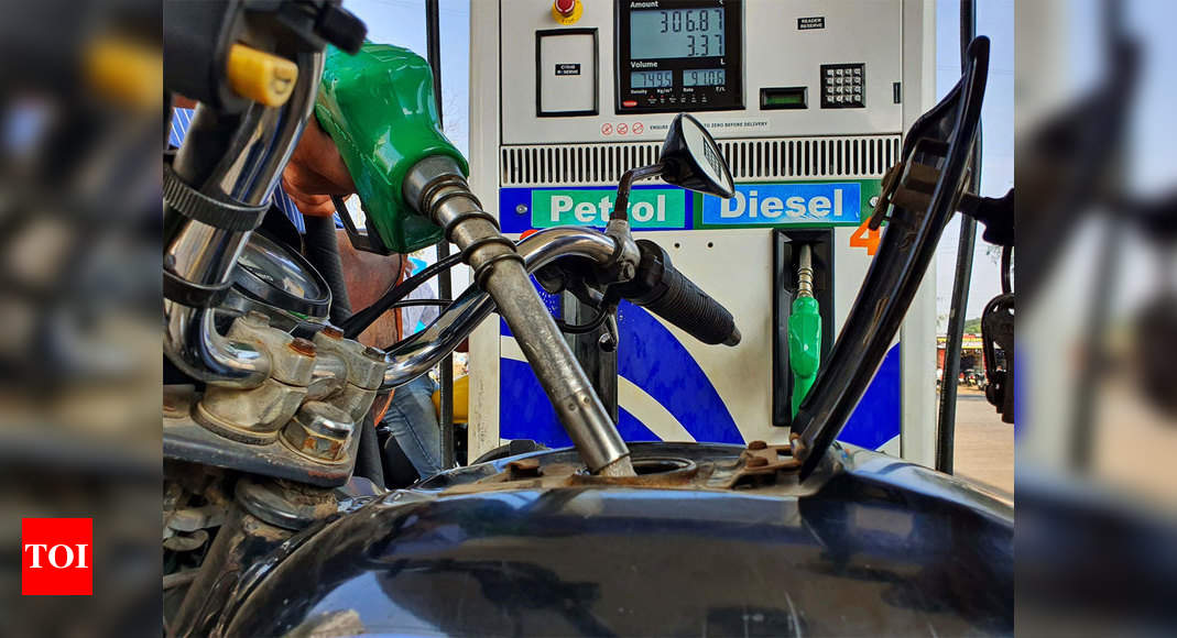 Fuel prices make new record as crude edges up again