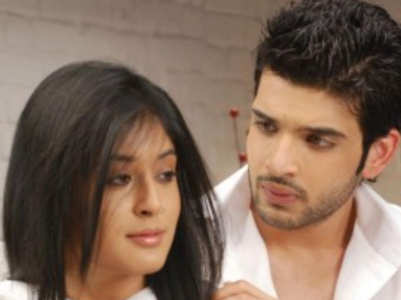 Karan, Kritika celebrate 12 years of KMH