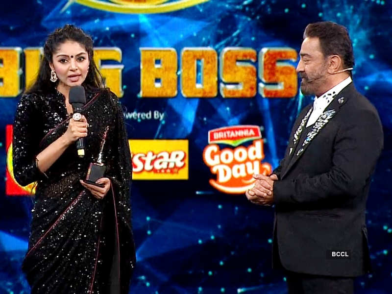 Bigg Boss Tamil 4 fame Sanam Shetty dedicates her 'Most Determined' award to the bravehearts in life; shares a heartfelt thanks note