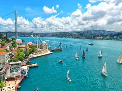 Istanbul through its architectural wonders