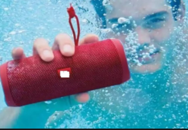 Amazon Republic Day Sale End Tonight: Grab best deals on speakers from JBL, Boat and more