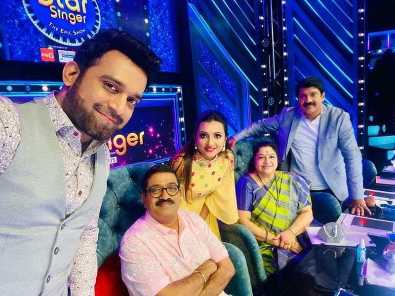 Star Singer Judge Stephen Devassy gets overwhelmed by THIS sweet gesture of his 'extended family'