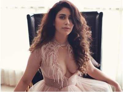Warina Hussain to make her debut down south?