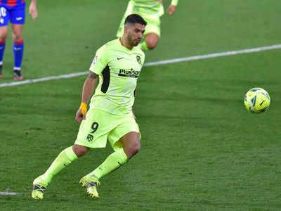 Suarez secures Atletico win despite Eibar's keeper scoring a penalty
