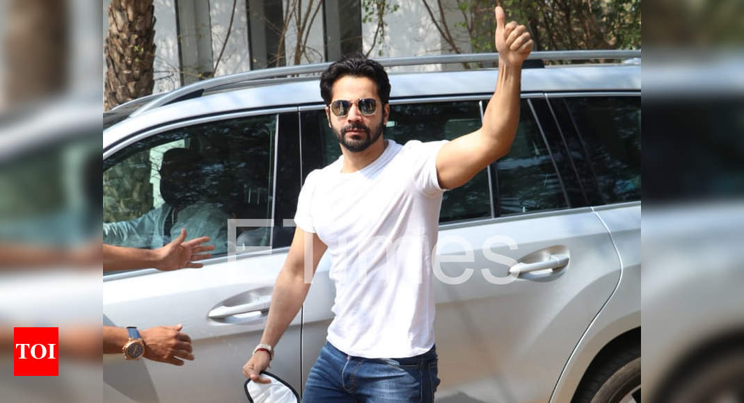Groom-to-be Varun Dhawan makes a dapper appearance as he arrives at the wedding venue in Alibaug – Times of India