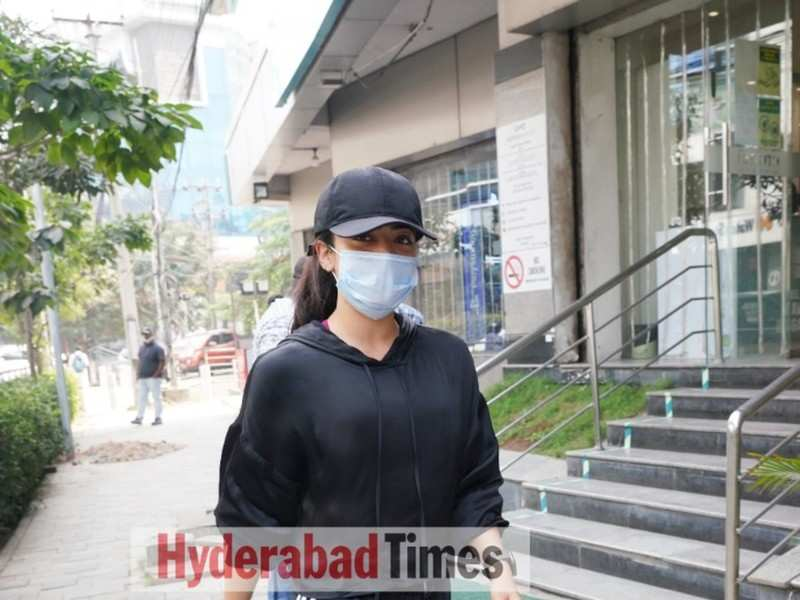 Spotted: The usually quirky Rashmika Mandanna opts for classic athleisure wear for a gym workout session
