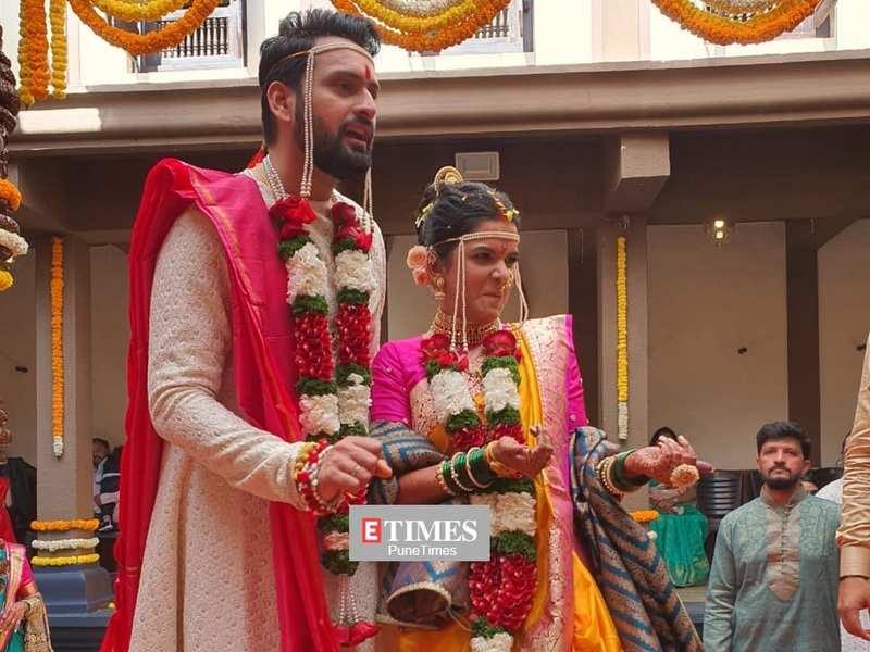 Siddharth Chandekar and Mitali Mayekar get hitched; Marathi stars make their presence felt at the do