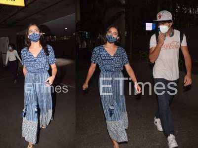 Photos: Sara sports spectacles at the airport