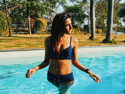 Erica Fernandes' playful pics in the pool