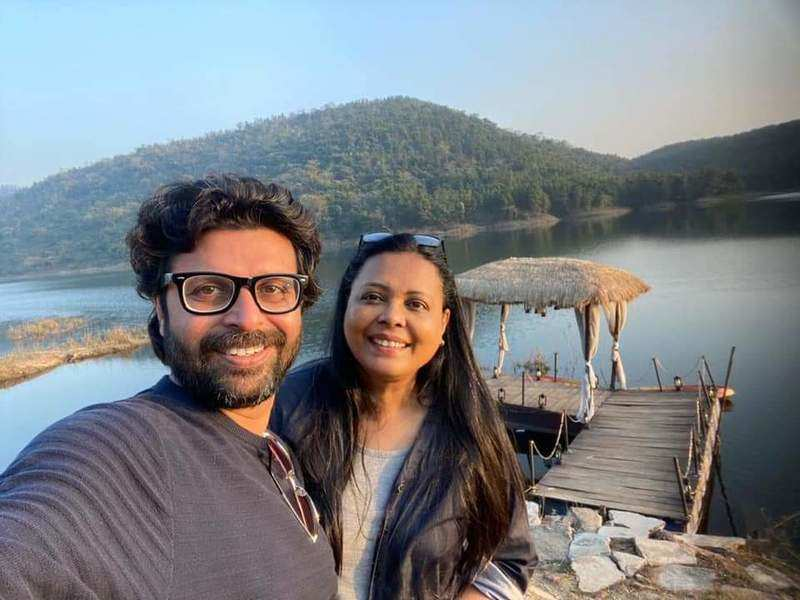 Lopamudra-Joy complete 20 years of marriage, celebrate the occasion in Purulia