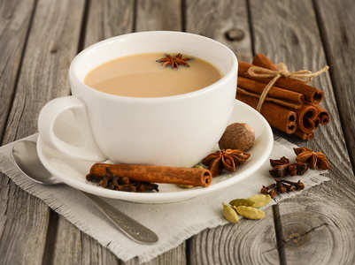 Scientific reasons why elderly people should drink more tea
