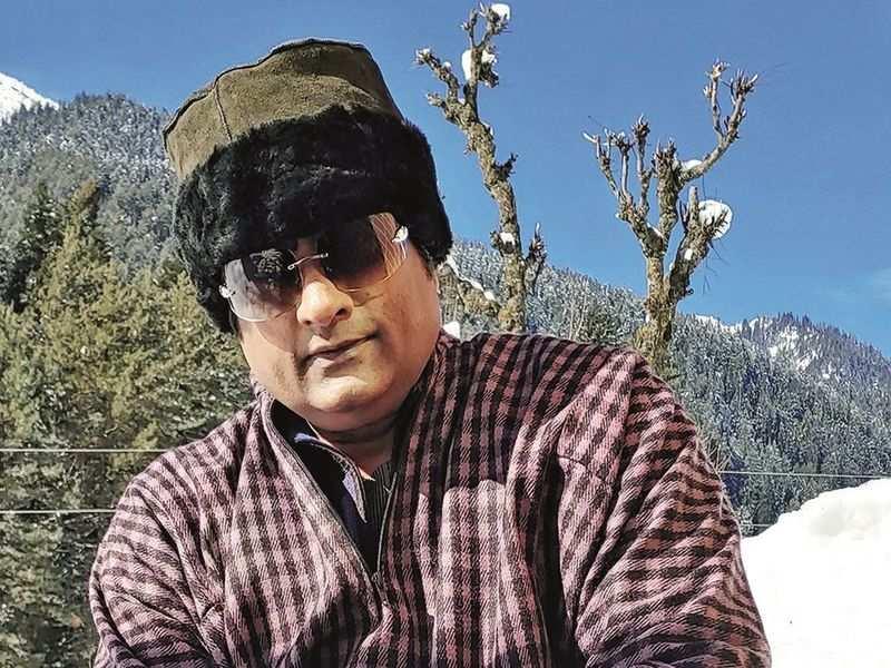 Ravishankar Gowda sports a Kashmiri look in Ratnan Prapancha