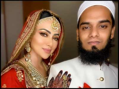 Sana Khan leaves hubby Anas in splits