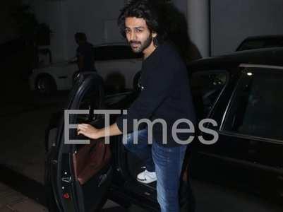 Pics: Kartik visits Manish's residence