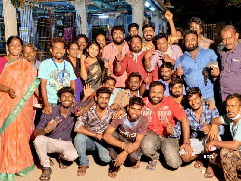 Anbudan Kushi crosses 200 episodes; Prajin Padmanabhan and Reshma Venkatesh thank fans (Photo - Instagram)