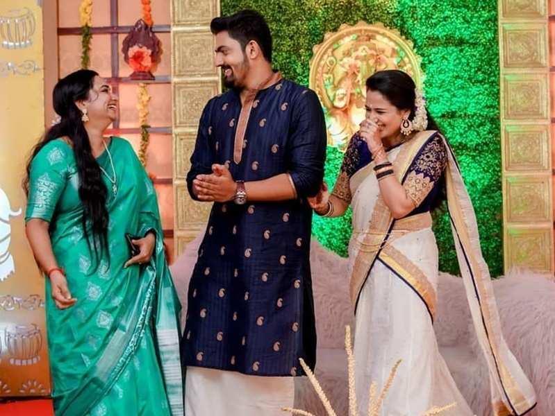 Pournamithinkal actor Vishnu Nair gets engaged; on-screen wife Gowri Krishnan says 'bye bye gossips'