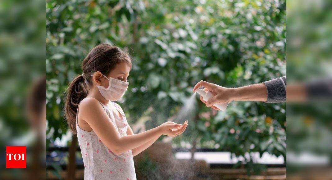 Hand sanitizers can hurt children's eyes