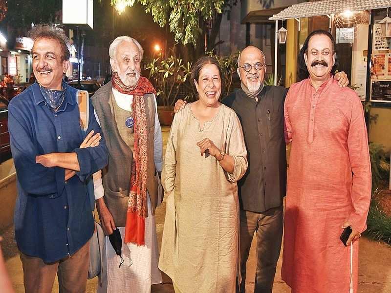 MS Sathyu premieres the Kannada version  of Tumhari Amrita in Bengaluru