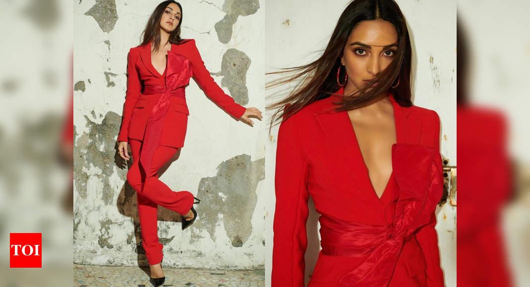 Kiara Advani takes our breath away in this crimson pantsuit – Times of India