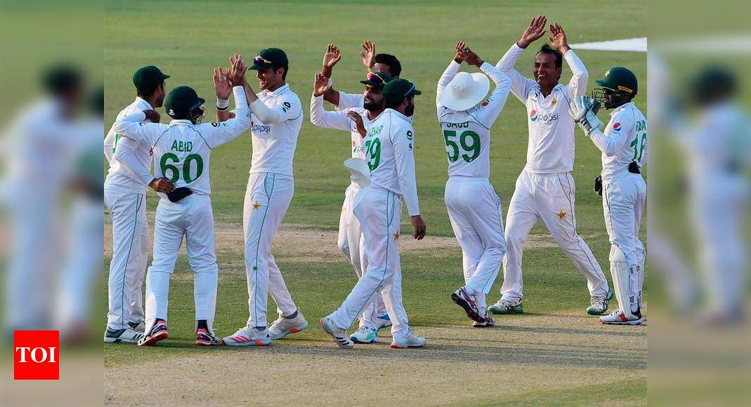 1st Test: Late wickets spoil South Africa's good work against Pakistan
