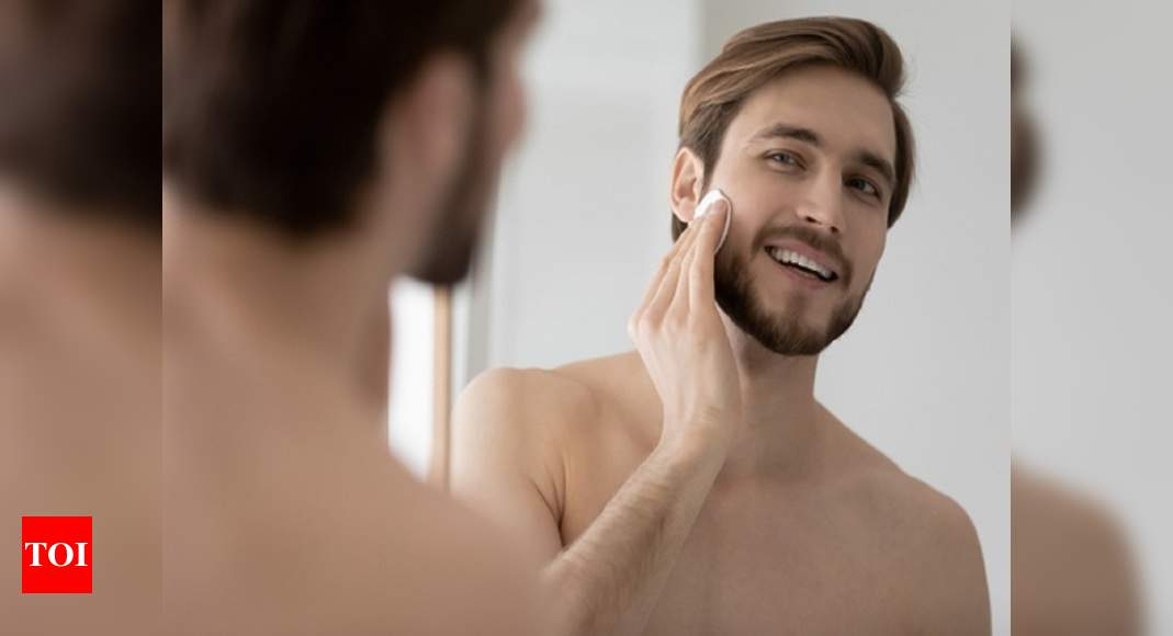 Toners for men: Hydrates and fight open pores - Times of India