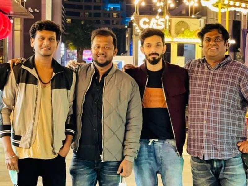 Lokesh Kanagaraj and Anirudh zoomed off to Dubai to celebrate 'Master' success