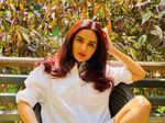 Jasmin Bhasin's pictures