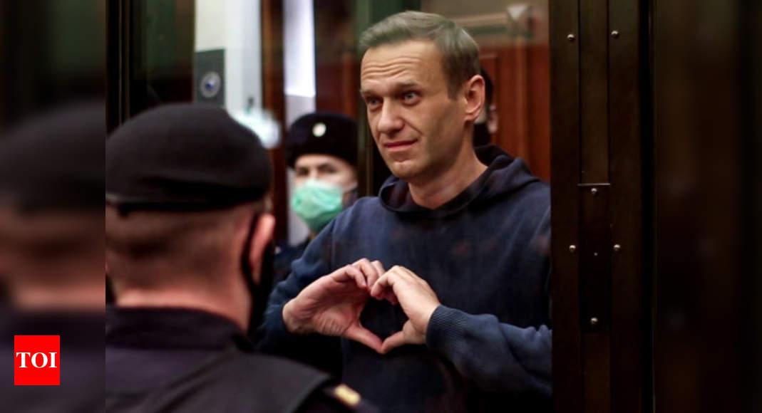 Russia jails journalist Sergei Smirnov over Alexei Navalny protest – Times of India