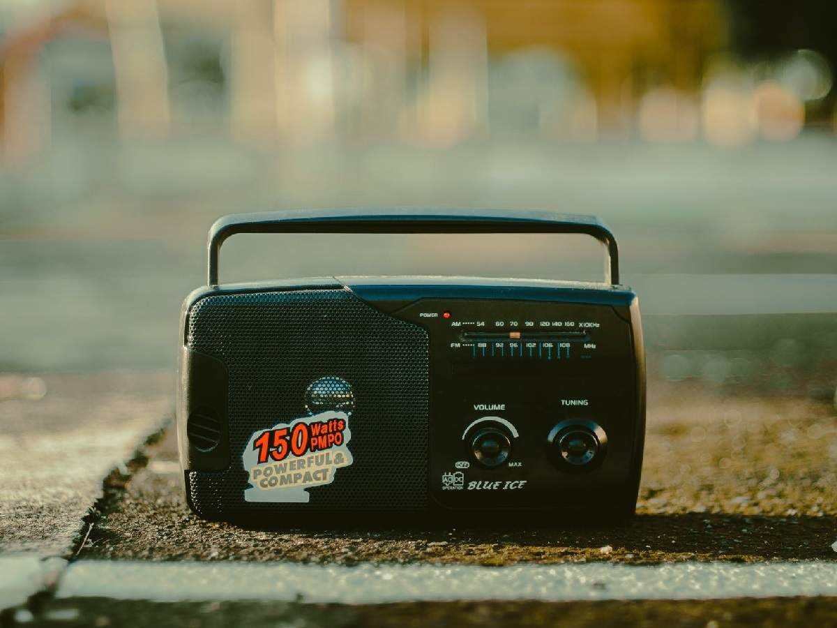 Saregama Carvaan, Philips Radio And Other FM Radio Players To Enjoy Music  The Traditional Way   Most Searched Products - Times of India