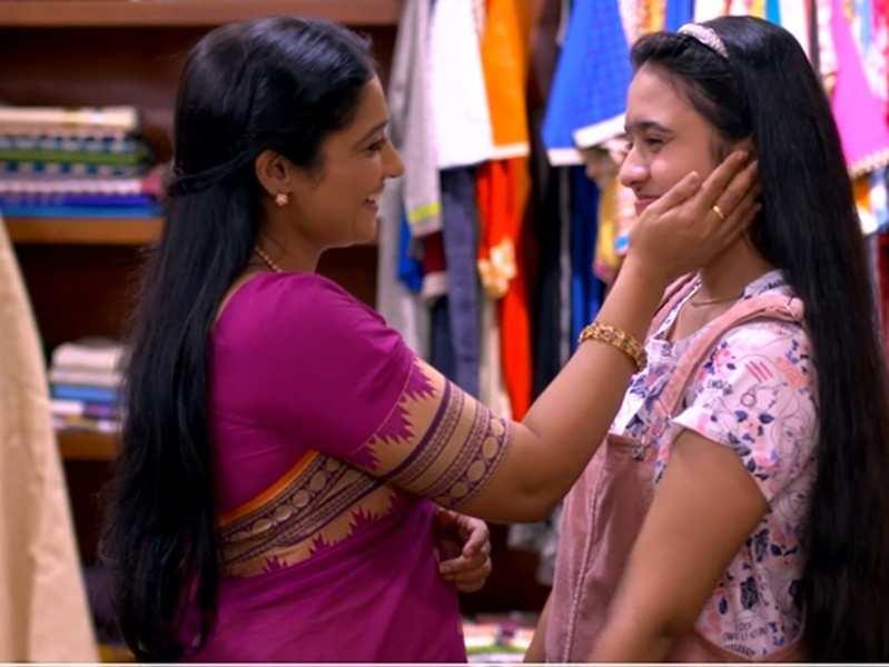 Vanambadi fame Gouri Prakash aka Anumol joins 'Kudumbavilakku'; watch video