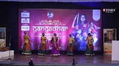 Sharvari Jemnis impresses with her grace kathak performance