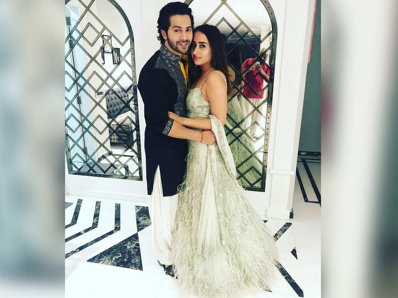 """""""Going home to my wife,"""" Varun Dhawan shares a mushy post as he wraps shoot and heads home"""