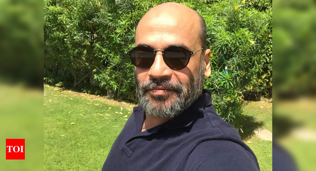Actor Mohan Kapur refutes death rumour by informing fans that he is safe and doing well; read tweet - Times of India