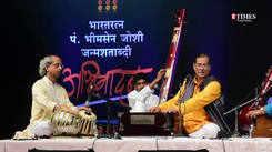 'Moko Kahan Dhunde Re Bande' by Pandit Ajoy Chakrabarty at Abhivadan