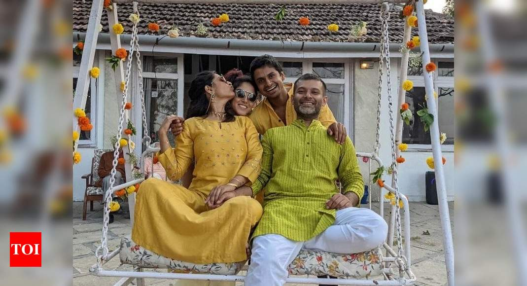 Aamir Khan's daughter Ira Khan shares a picture with her rumoured beau Nupur Shikhare from cousin Zayn Ma - Times of India