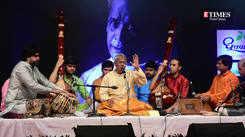 'Bhagyada Laxmi Baramma' by Pandit Upendra Bhat at Abhivadan to Pandit Bhimsen Joshi