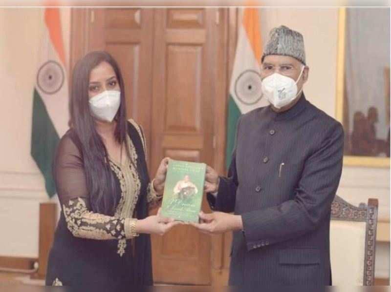 Namrata Gupta Khan and President Ram Nath Kovind