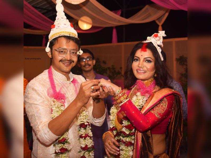 I am so happy to get hitched with my best friend, says Sayantani Sengupta on marrying Indranil Mullick