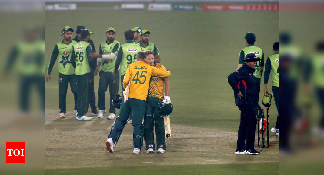 2nd T20I: South Africa beat Pakistan by 6 wickets to level series 1-1 | Cricket News – Times of India