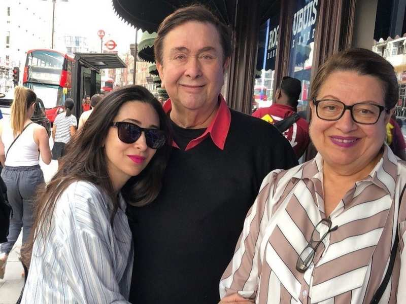 Karisma Kapoor shares a priceless picture featuring Randhir and Babita on  her father's birthday | Hindi Movie News - Times of India