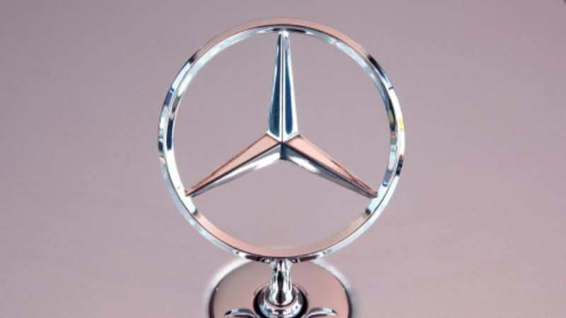 Mercedes-Benz recalls 13 lakh cars in the US over software glitch: Things to know - Gadgets Now