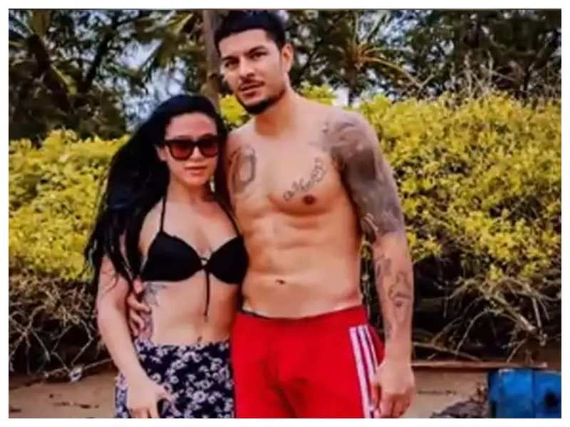 Krishna Shroff's ex-boyfriend Eban Hyams posts another cryptic message on relationships: Don't be mad at me, when you did worse to your ex
