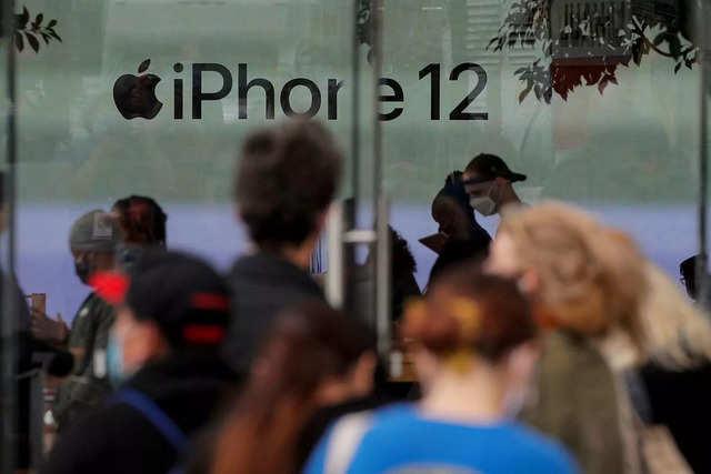 Apple makes repairing rear panel of iPhone 12, iPhone 12 mini easier