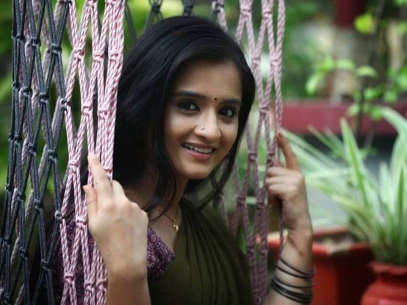 Actress Gopika Anil: It is surprising that men are watching TV serials especially Santhwanam more